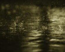 Bajo la lluvia, lloré…